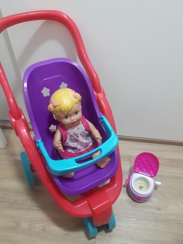Carrinho de boneca little mommy com acessórios