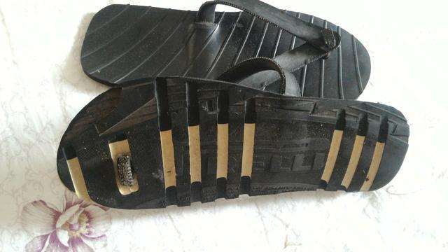 Chinelo artesanal feito de pneu de caminhão. tam 42/43