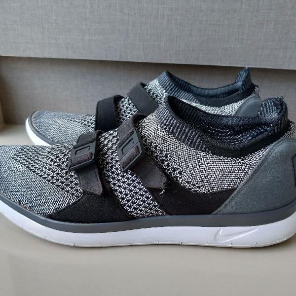 Nike air sock racer flyknit