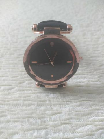 Relógio quartzo feminino belle