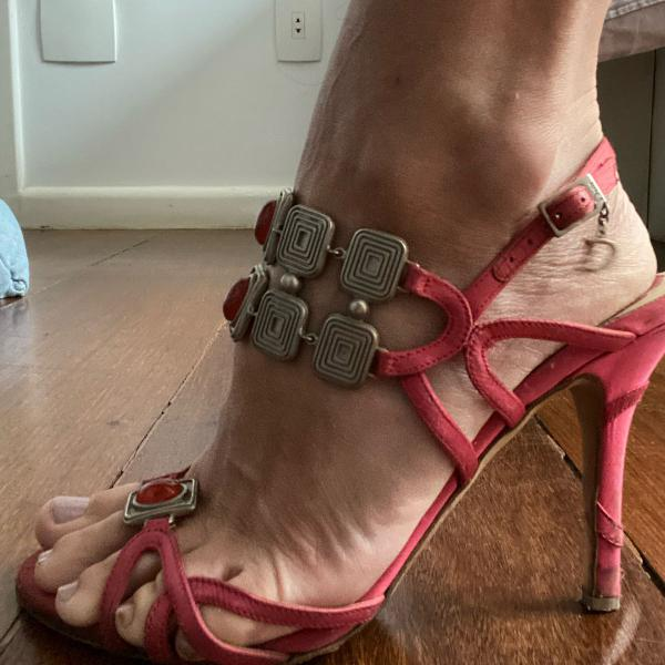 Sandália rosa dior