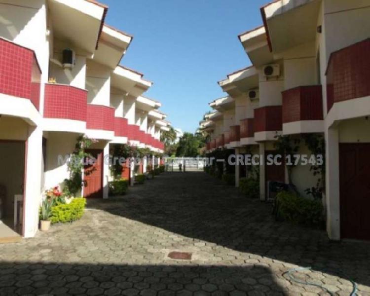 Casa com 03 dormitórios próxima ao mar financiável