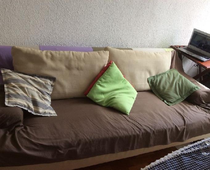 Combo sofá + armário usados e conservados