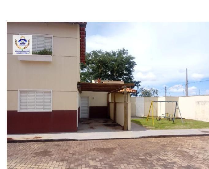 Condomínio de sobrados 2 qtos 1 suíte vaga de garagem e l