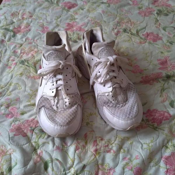 Nike huarache branco