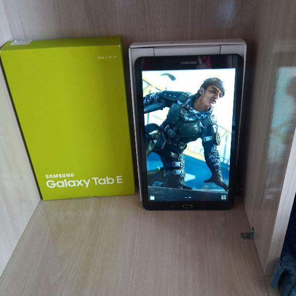 Tablet samsung 9.6 mede 40cm semi novo na. caixa. com todos