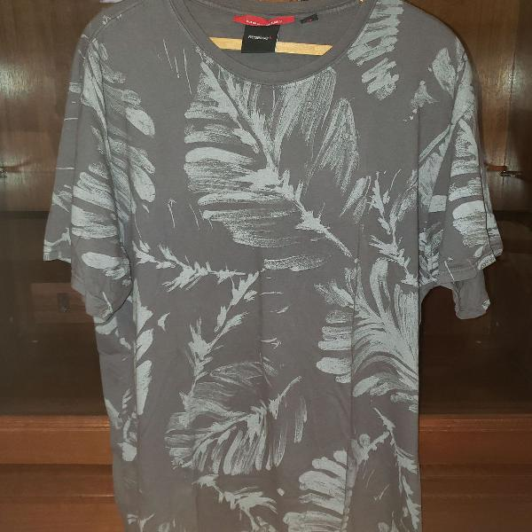 Camiseta cinza da reserva