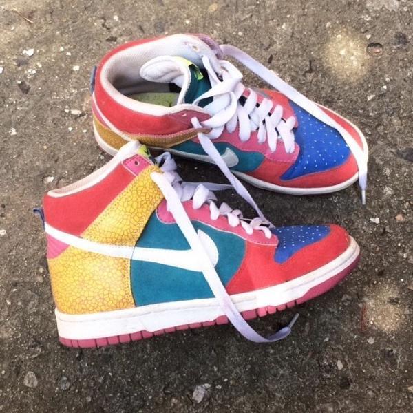Nike cano alto colorido