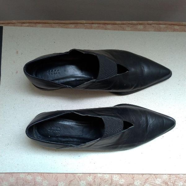 Sapato bico fino zara