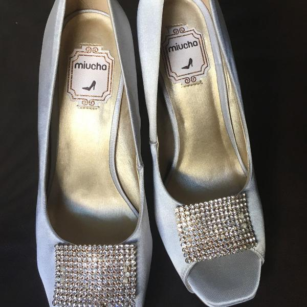 Sapato de salto festa prata novo