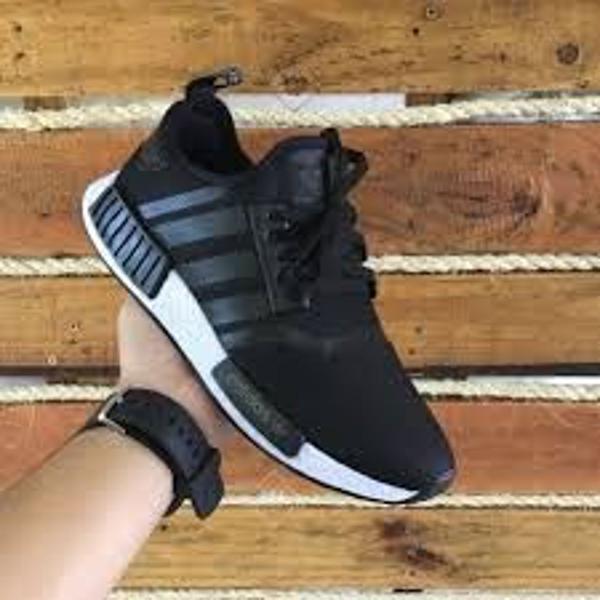 Tênis adidas nmd preto e branco oferta