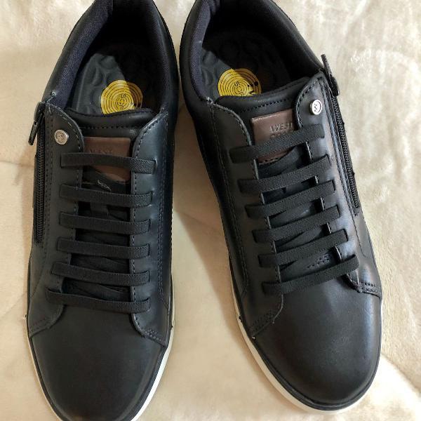 tênis de couro preto masculino