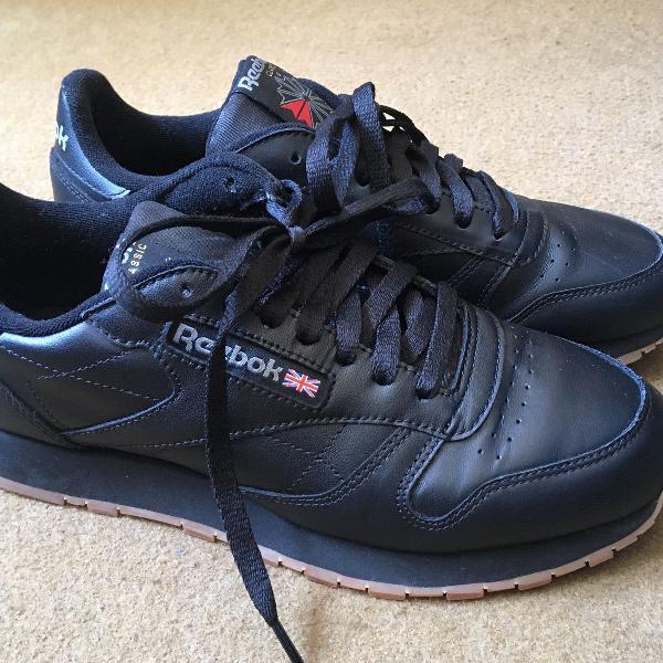 Tênis preto reebok classic leather