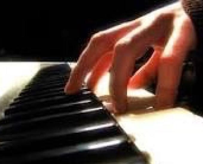 Aulas de piano, teclado, canto popular e clássico