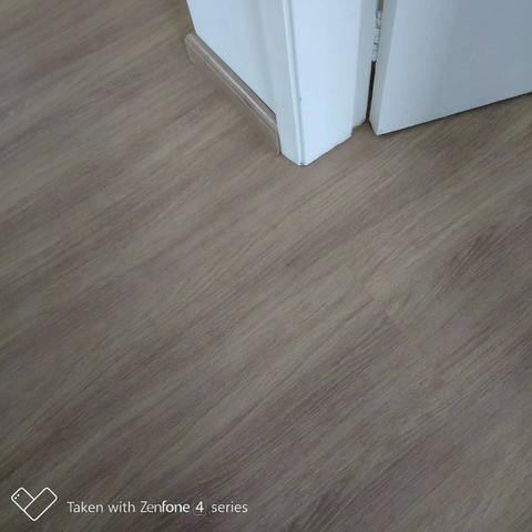 Instalação de piso laminado e rodapé