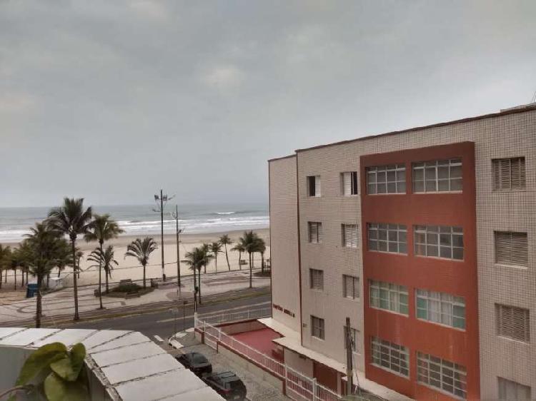 Oportunidade, apto 2 dormitórios em ´prédio frente mar