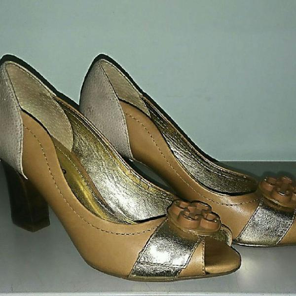Sapato peep toe laura prado couro legítimo