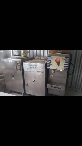 Vendo maquinario complero para fabricar sorvete.