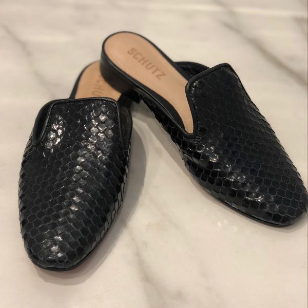 Loafer schutz conforto e estilo