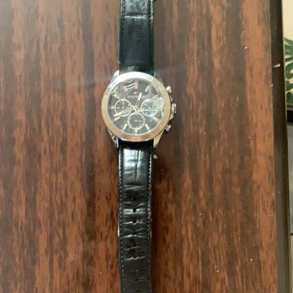 Relógio - tommy hilfiger - couro