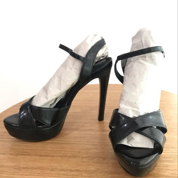 Sandália, meia pata, preta, santa lolla