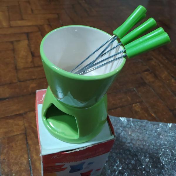 Mini aparelho de fondue verde