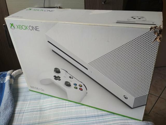 Xbox one s + controle com bateria recarregável