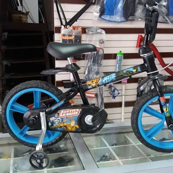 """Bicicleta aro 14"""" bandeirantes totalmente revisada."""