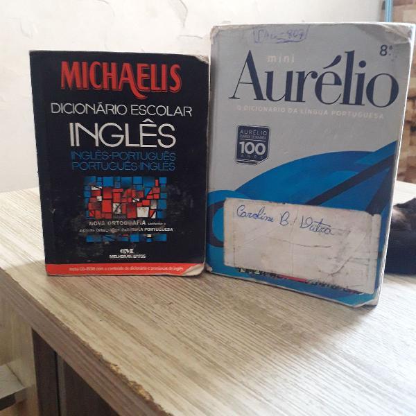 Dicionários