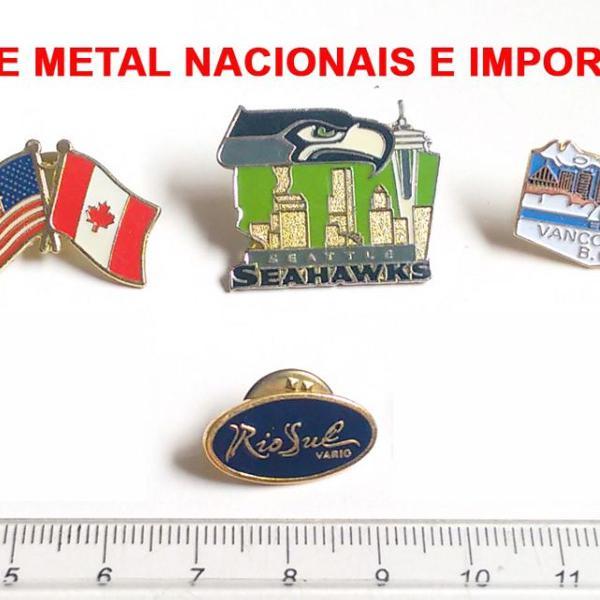 Pins de metal