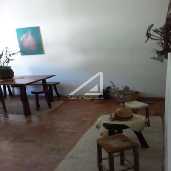 Apartamento 3 quartos amplo agradável dependência à venda