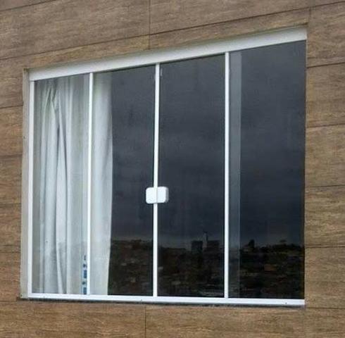 Janelão de vidro temperado 120x200