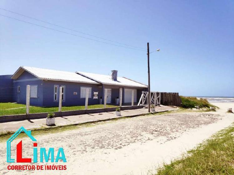 C10 - ótima residência de esquina a beira mar