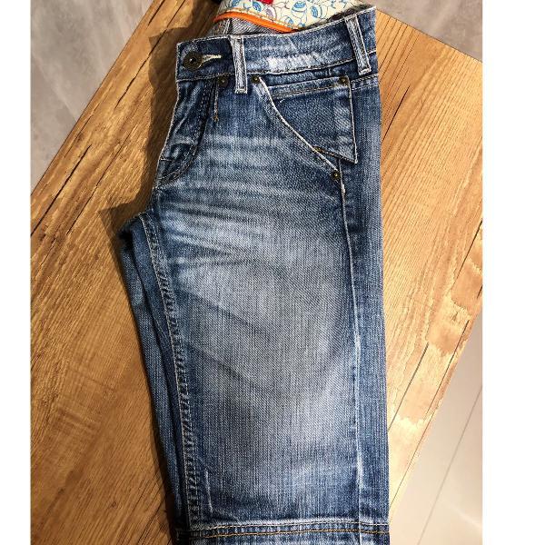 Bermuda jeans destroyed, marca triton, tam 36, ótimo estado