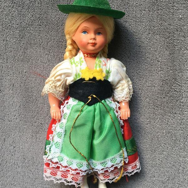 Boneca alemã vintage e retrô