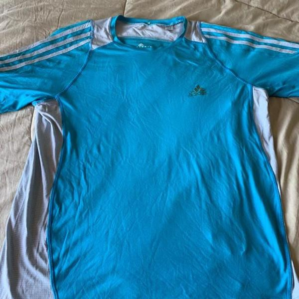 Camiseta dri fit adidas