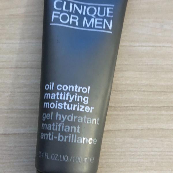 gel hidratante matificante clinique for men