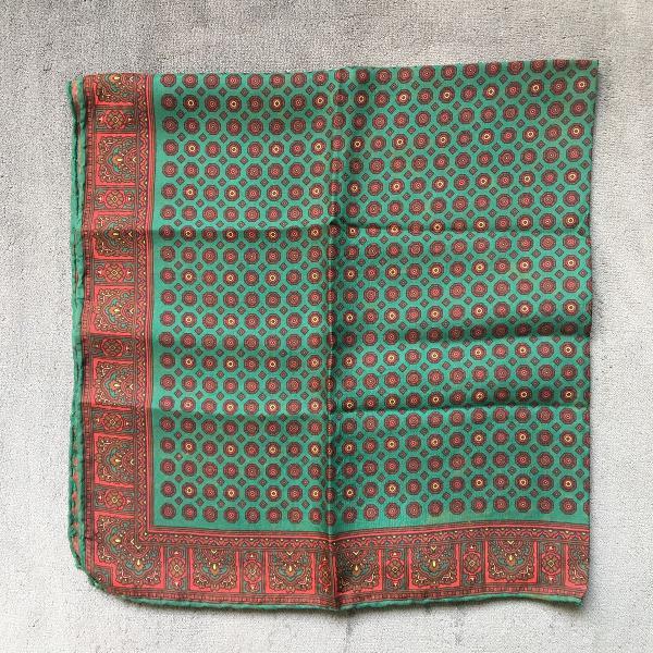 Lenço de seda vintage verde bordô