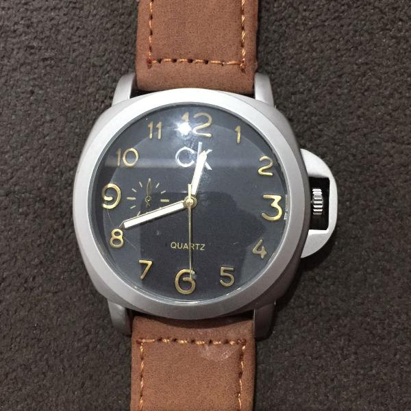 relógio masculino ck , pulses de de couro ,caixa prata ,