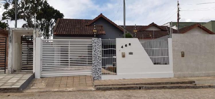 Casa no jardim paulistano com 96m² de área e recuo nas
