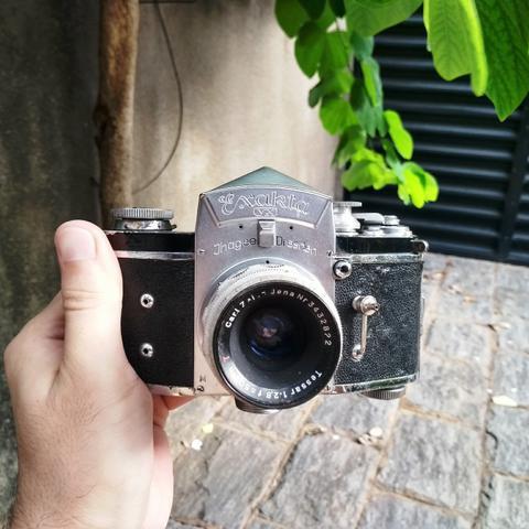 Exakta alemã maquina antiga de filme fotografia -