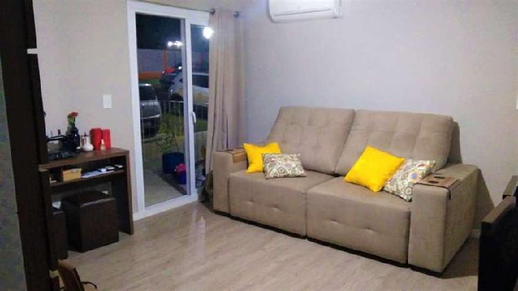 Lindo apartamento de 2 dormitórios térreo no Residencial