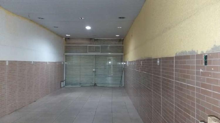 Loja para venda possui 100 metros quadrados com 1 quarto