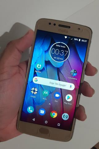 Motorola g5s com película de vidro. aceito propostas!
