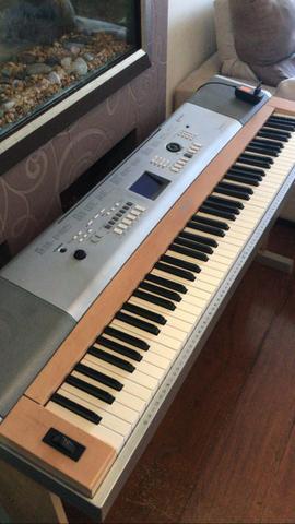 Piano digital yamaha - portable grand dgx-620