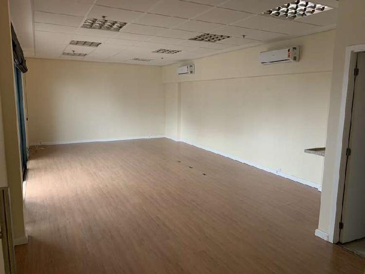 Sala/conjunto para aluguel com 52 metros quadrados em