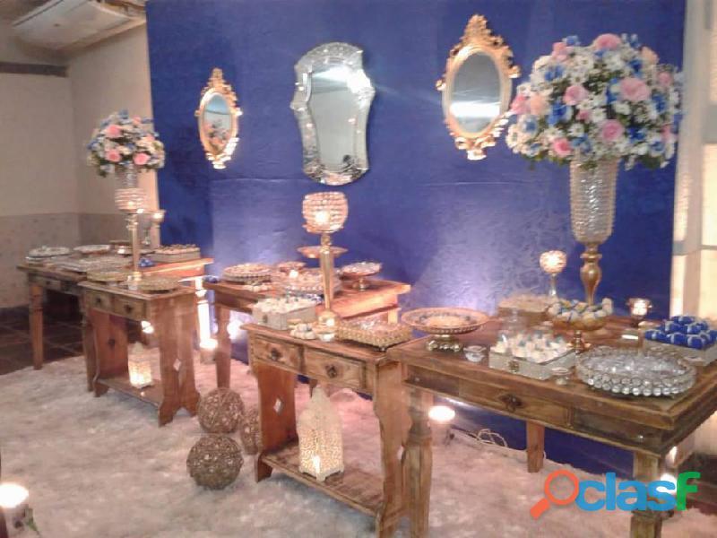 vendo todo meus móveis e peças decorativas para festa 10