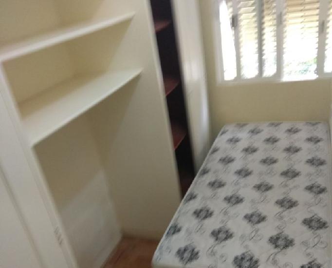 Alugo quartos individuais