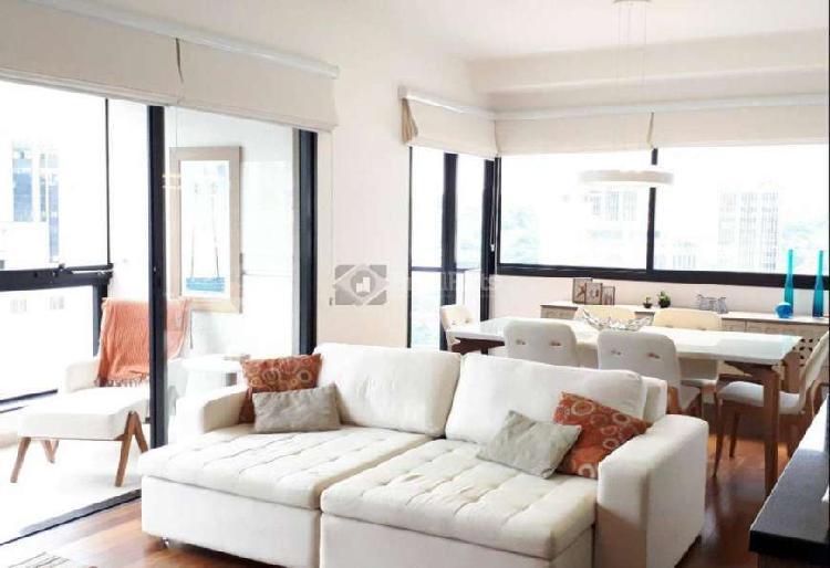 Flat com 2 dormitórios para alugar, 105 m² por r$