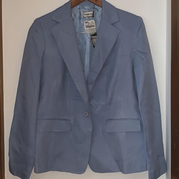 Blazer azul claro em crepe tamanho 46 marca : practory